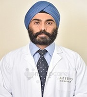 Dr IPS Oberoi Orthopedecian & Joint Replacement Surgeon